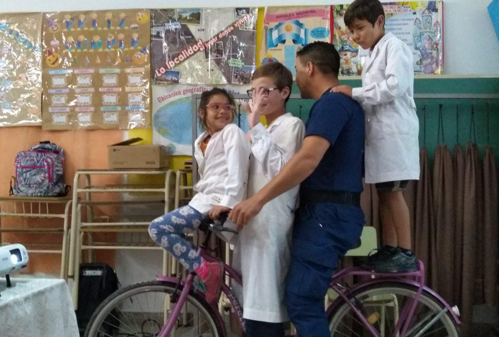 Promoviendo el correcto uso de La Bici.