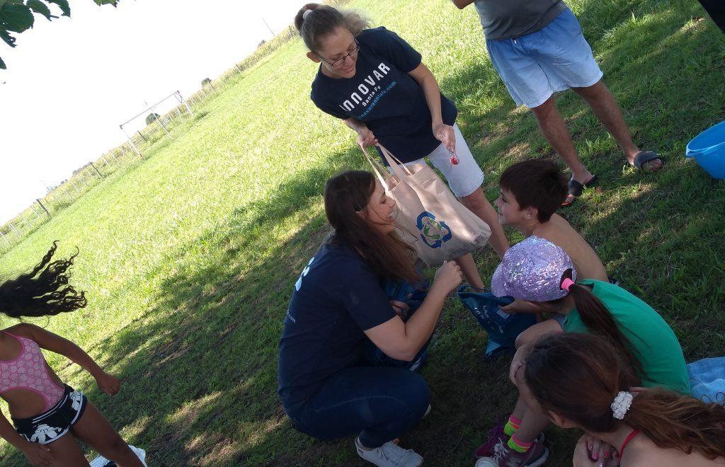 Junto a los niños en Las Tunas.